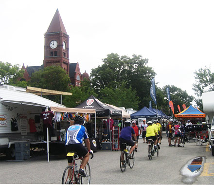 RAGBRAI 2013, fairfield ia, RAGBRAI Fairfield, broadway ave fairfield ia